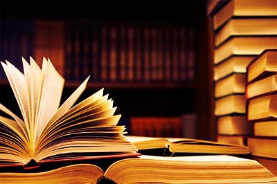 Libro abierto Novelas fantásticas Biblioteca